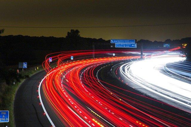 provoz na silnici, světla